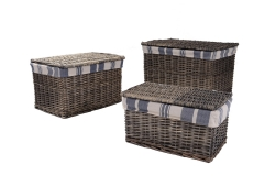 Set of 3 wicker trunks